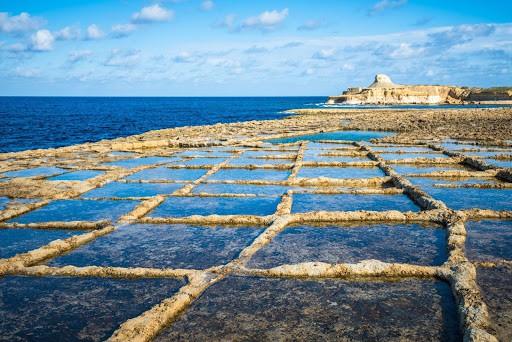 Malta 7 Places you can't miss - Gozo Salt Pans